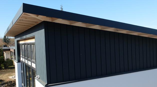 Schwarze_Dachkonstruktion_2
